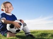 rebenok-futbolist